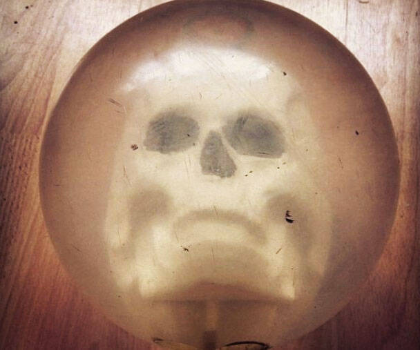 Skull Bowling Ball - coolthings.us