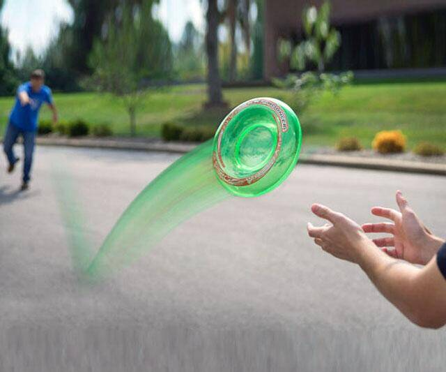 Sky Bouncer - Bouncing Frisbee - http://coolthings.us