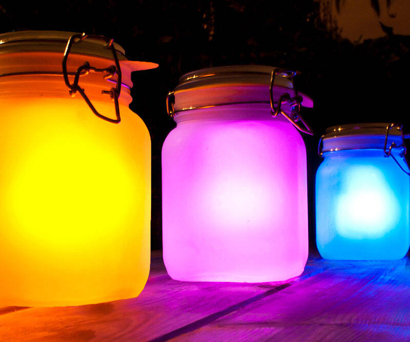 Solar Jar Lamps - http://coolthings.us