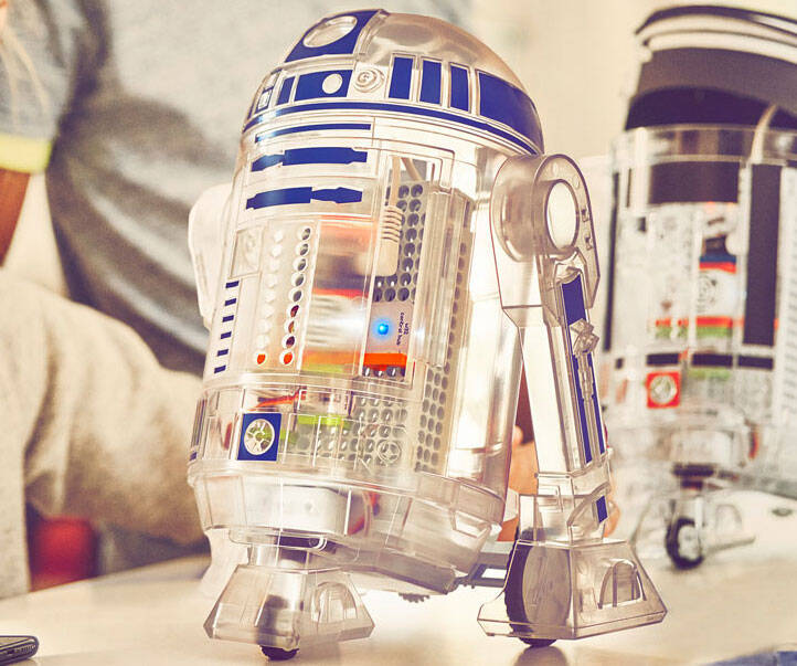 Star Wars Droid Inventor Kit - http://coolthings.us
