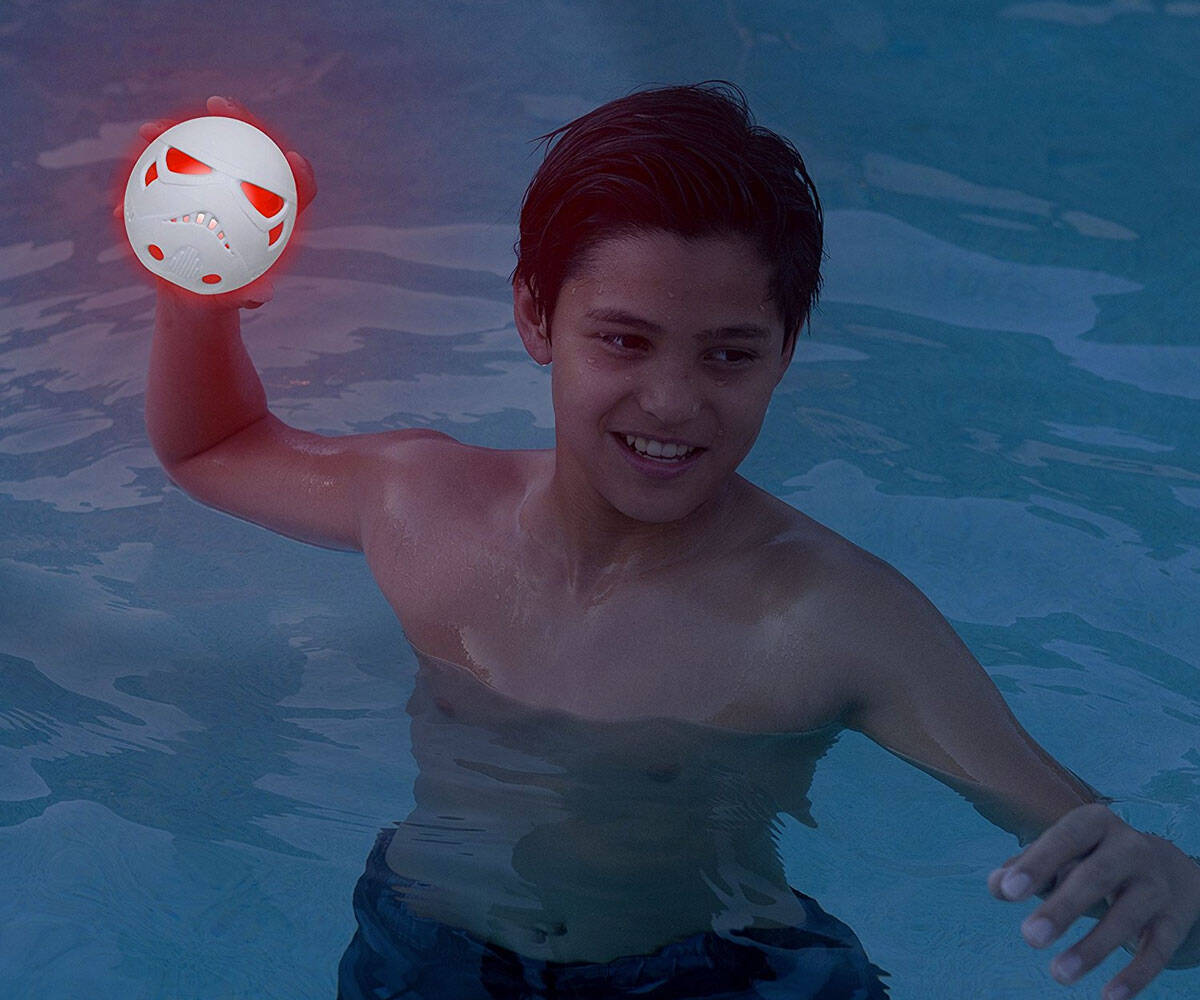 Star Wars Light-Up Hydro Balls - http://coolthings.us