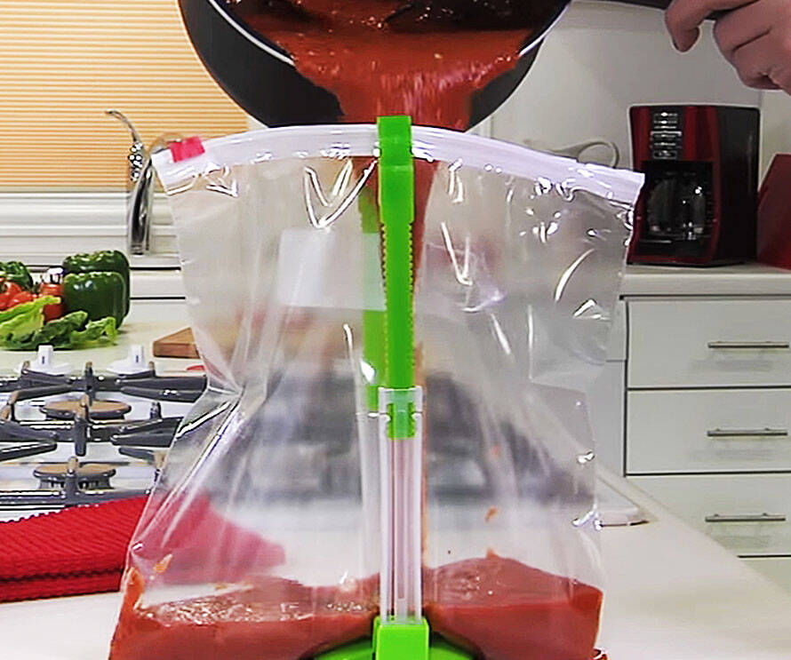 Hands-Free Plastic Bag Holder - http://coolthings.us
