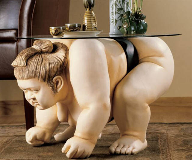 Sumo Wrestler Table - http://coolthings.us