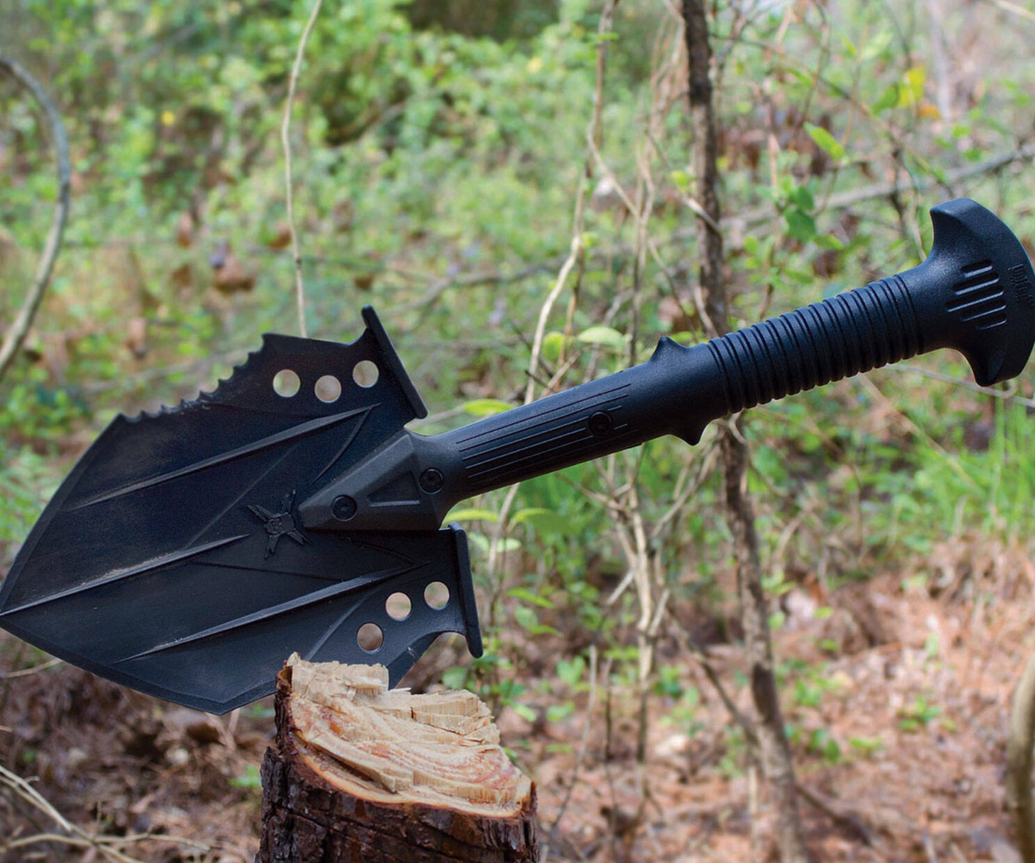 Tactical Survival Shovel - http://coolthings.us