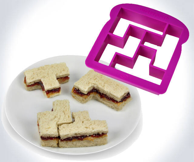 Tetris Sandwich Mold - http://coolthings.us