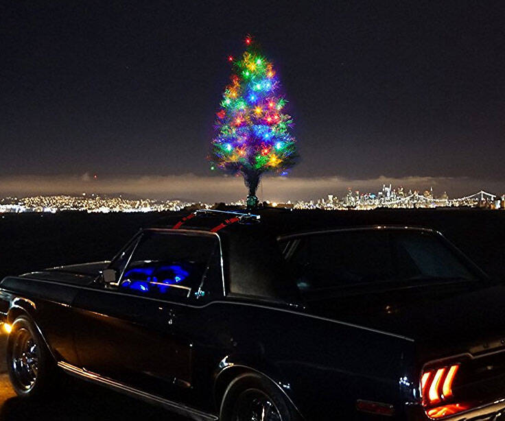 The Christmas Car Tree - http://coolthings.us