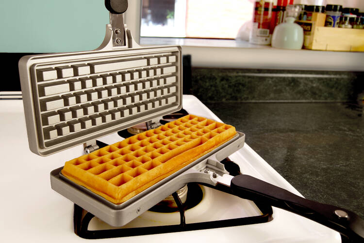 The Keyboard Waffle Iron - http://coolthings.us