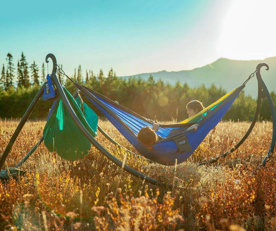 Portable Triple Hammock Stand - http://coolthings.us
