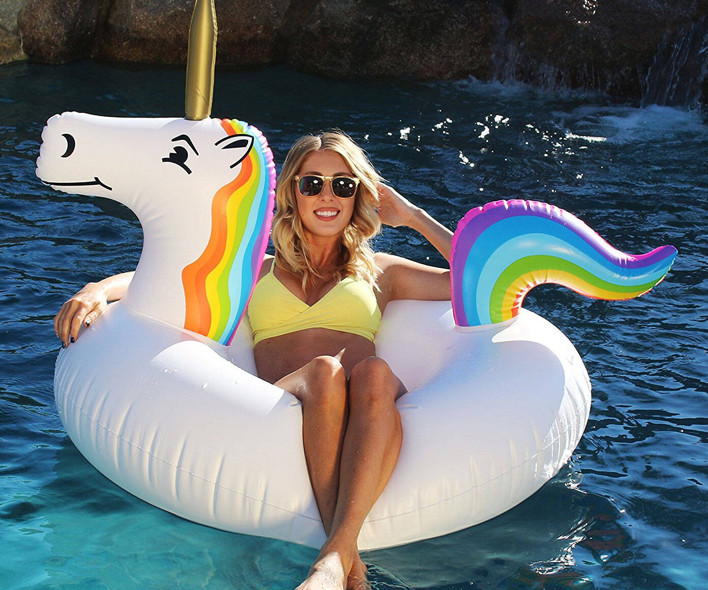 Unicorn Pool Float - http://coolthings.us