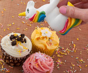 Unicorn Sprinkles Shaker - http://coolthings.us