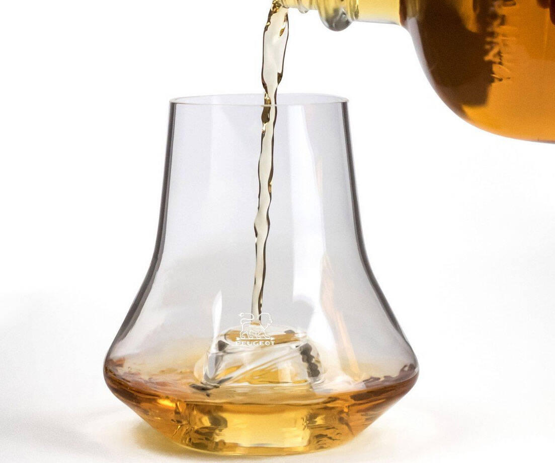 Whiskey Tasting Glass With Chilling Base - coolthings.us