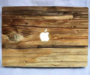 Wooden MacBook Decal - http://coolthings.us