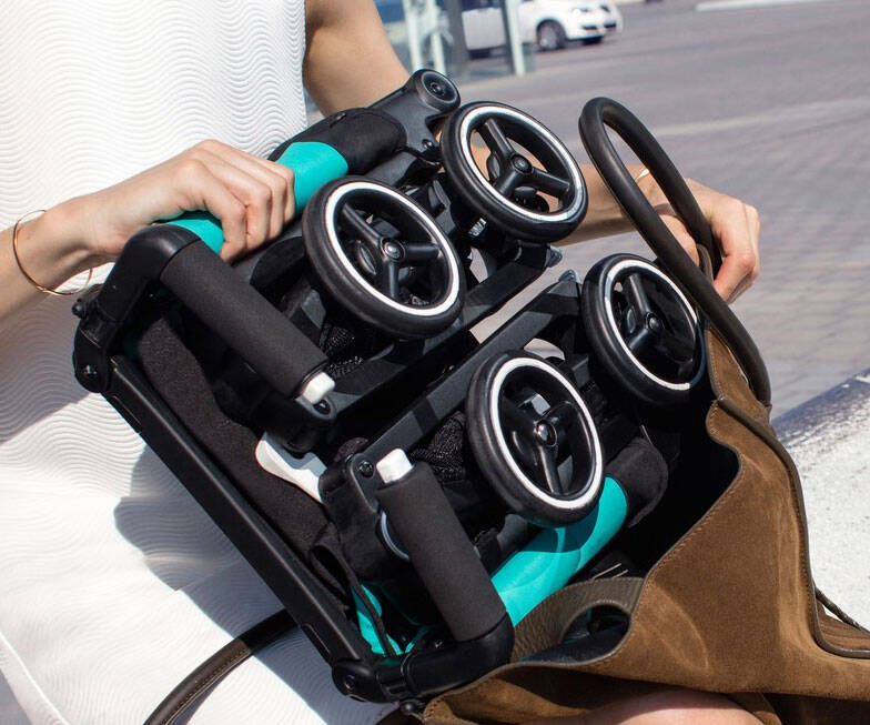 World's Most Compact Folding Stroller - http://coolthings.us