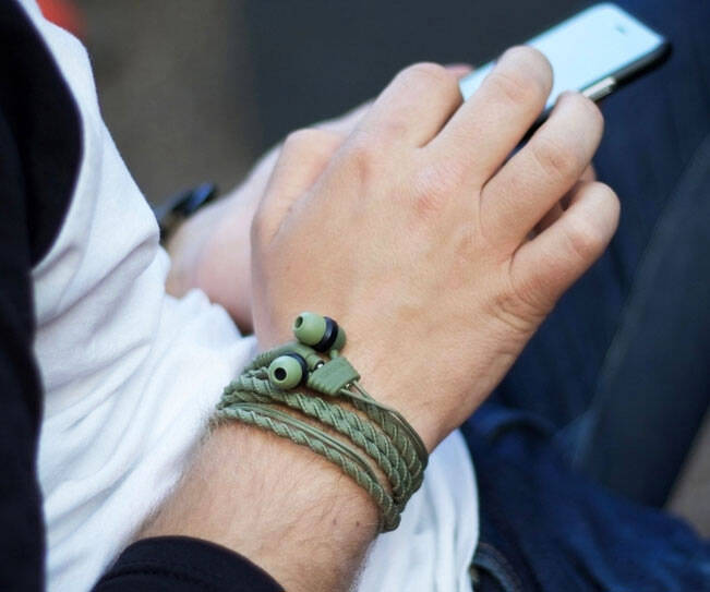 Wristband Headphone Earbuds - http://coolthings.us