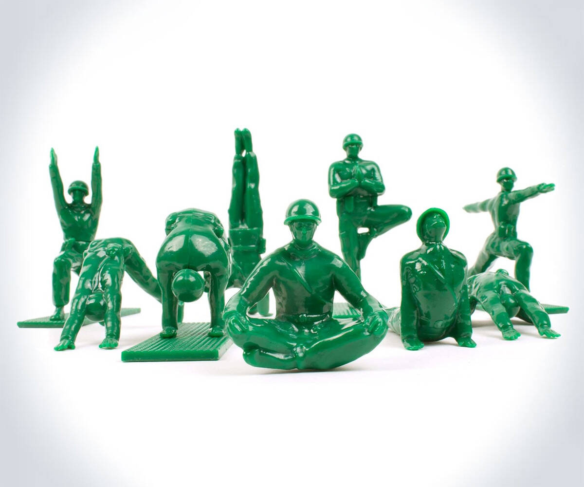 Yoga Pose Green Army Men Toys - http://coolthings.us
