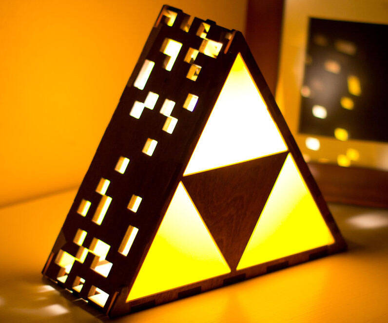 Zelda Triforce Lamp - http://coolthings.us