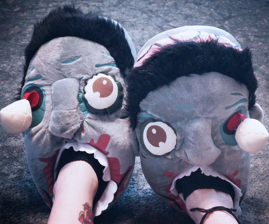 Zombie Slippers - http://coolthings.us
